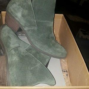 "Ruff Hewn ""Easton Split"" Ankle Boots size 8 1/2"